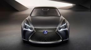 """Η Lexus αποφεύγει τον όρο """"αυτόνομη οδήγηση"""""""