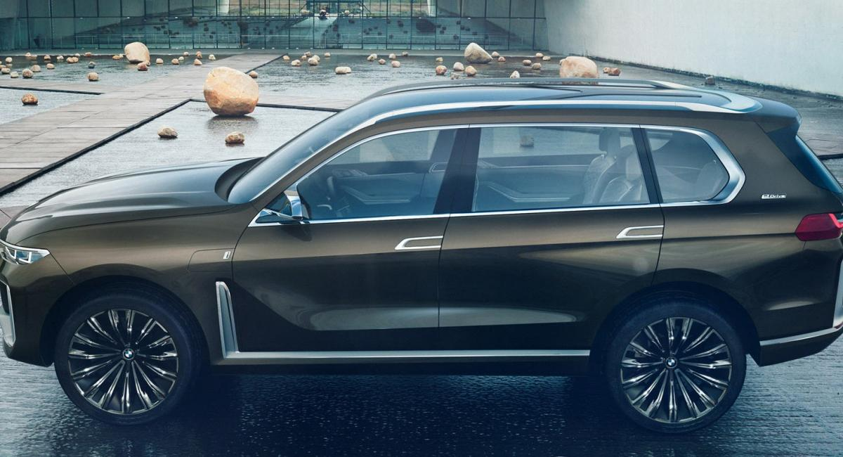 Το BMW X7 καταστράφηκε στο δρόμο για το Ντιτρόιτ