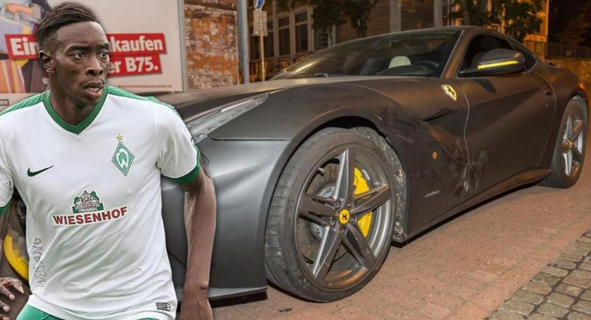 Ο πρώην παίχτης του Ολυμπιακού, Yatabare, τράκαρε τη Ferrari συμπαίχτη του.