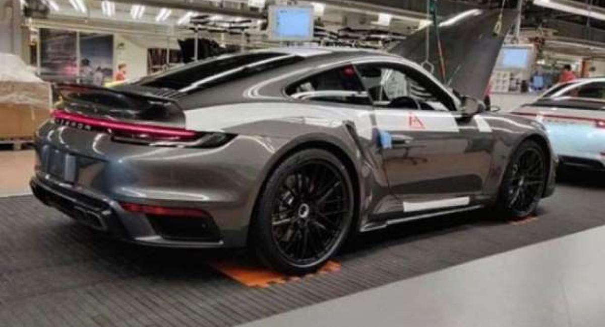 Αυτή είναι η νέα Porsche 911 Turbo