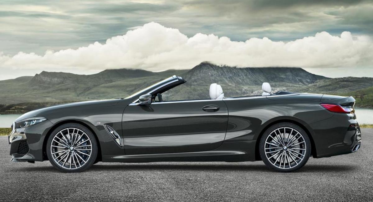 Νέα BMW Σειρά 8 Convertible 530 ίππους