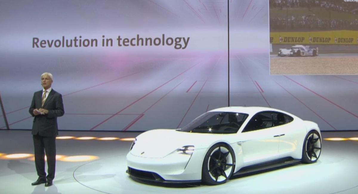 Η Porsche ίσως γυρίσει την πλάτη στους diesel κινητήρες για χάρη των ηλεκτρικών