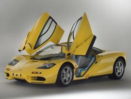 Πωλείται μια McLaren F1 του 1997, που δεν έχει οδηγηθεί ποτέ!