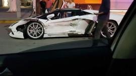 Ταξί καταστρέφει μια Lamborghini Aventador στο Μεξικό [Vid]