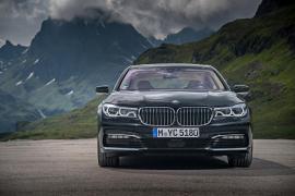 Νέα υβριδική BMW 740e iPerformance.