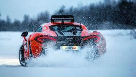 Στον Αρκτικό Κύκλο με μια McLaren 570S [vid]