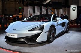 Χάζεψε από κοντά και άκου τη νέα McLaren 570GT