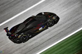 Ειδική McLaren P1 GTR στα χρώματα του James Hunt στο Goodwood