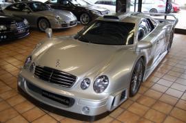 Πωλείται μια σπάνια Mercedes CLK GTR