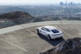 Το 2020 το ηλεκτρικό της Porsche Mission E Concept