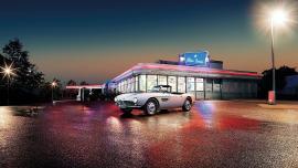 Η BMW κάνει σαν καινούργιο το αυτοκίνητο του Έλβις.