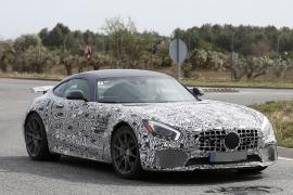 Mercedes AMG GT R με λιγότερο καμουφλάζ