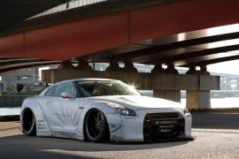 Nissan GT-R από την Liberty Walk… σκέτη τρομοκρατία!