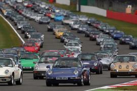 Μια δημοπρασία με 59 Porsche θα γίνει στο Σίλβερστοουν!