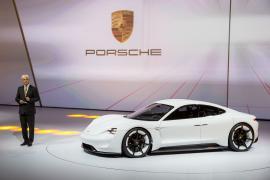 Η Porsche θέλει να διατηρήσει τα υψηλά περιθώρια κέρδους και στα ηλεκτροκίνητα μοντέλα της