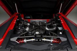 Lamborghini: Οι V10 και V12 κινητήρες είναι εδώ και θα μείνουν