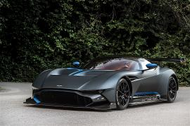 H μοναδική street legal Aston Martin Vulcan [Vid]