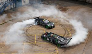 GT-R Vs Murcielago, στο πιο επικό drift battle της χρονιάς! [Vid]