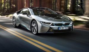 Ταχύτερο i8 σκέφτεται η BMW