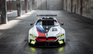 Η BMW αποκάλυψε την Μ8 GTE