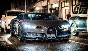 Μια Bugatti Chiron με carbon σώμα στους δρόμους του Λονδίνου [Vid]