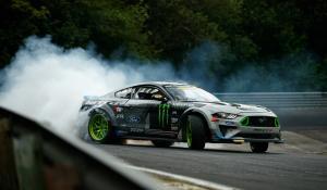 O Vaughn Gittin Jr. driftάρει όλο το Nurburgring με την Ford Mustang RTR [Vid]