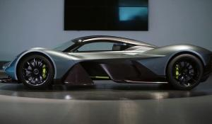 Aston Martin ΑΜ-RB 001: Η πρώτη εμφάνιση στο Παρίσι