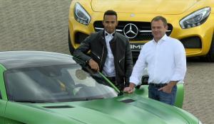 Ο Lewis Hamilton θέλει να φτιάξει μια ειδική έκδοση για την Mercedes-AMG (Vid).