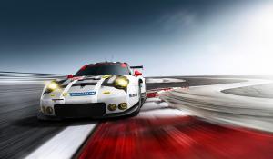 Porsche 911 RSR: Για πρώτη φορά κεντρομήχανη