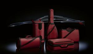 BMW και Montblanc δημιούργησαν βαλίτσες 14.900 ευρώ