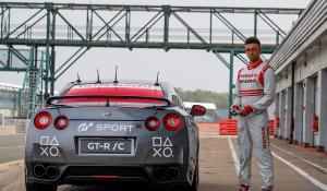 Ένα Nissan GT-R έγινε τηλεκατευθυνόμενο [Vid]