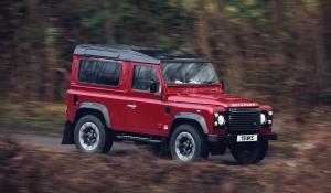 Η Land Rover γιορτάζει τα 70 χρόνια του Defender